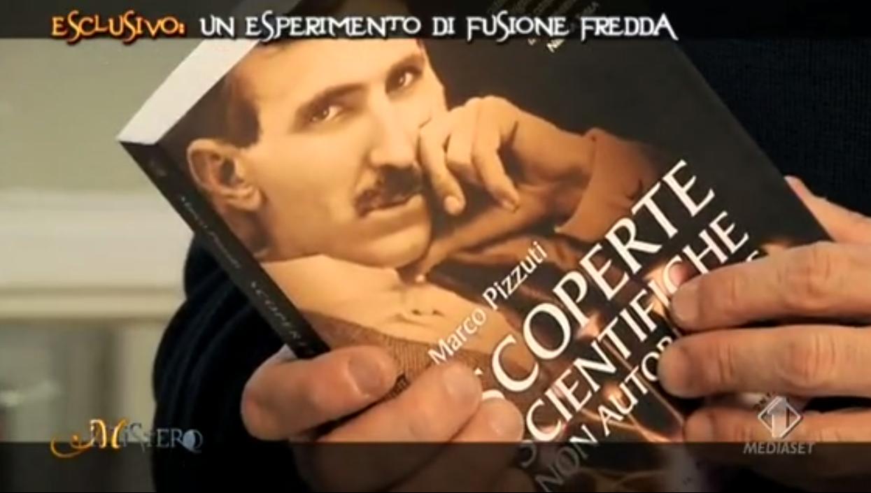 <b>Marco Pizzuti</b> è nato a Roma nel 1971, ex ufficiale dell'esercito, <b>...</b> - libro-Berry