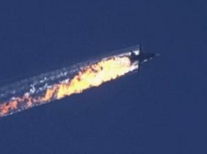 """Siria, Turchia abbatte caccia russo. Mosca: """"Era nostro, ma non violava spazio aereo di Ankara"""" (VIDEO)"""